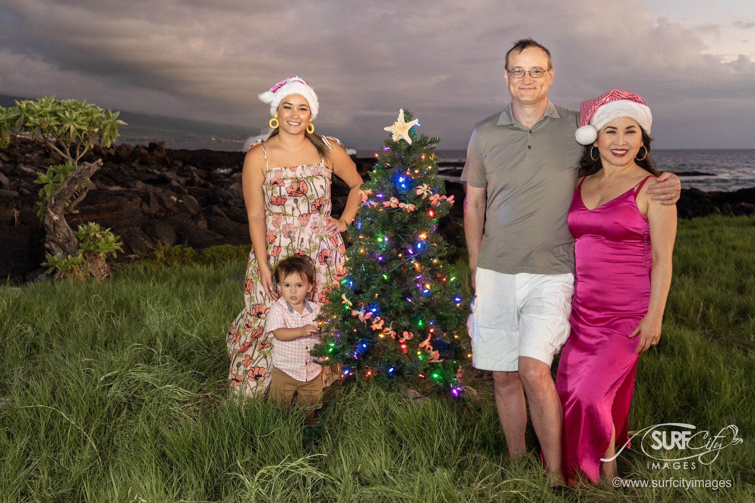 Holiday Family Portraits in Kona Hawaii